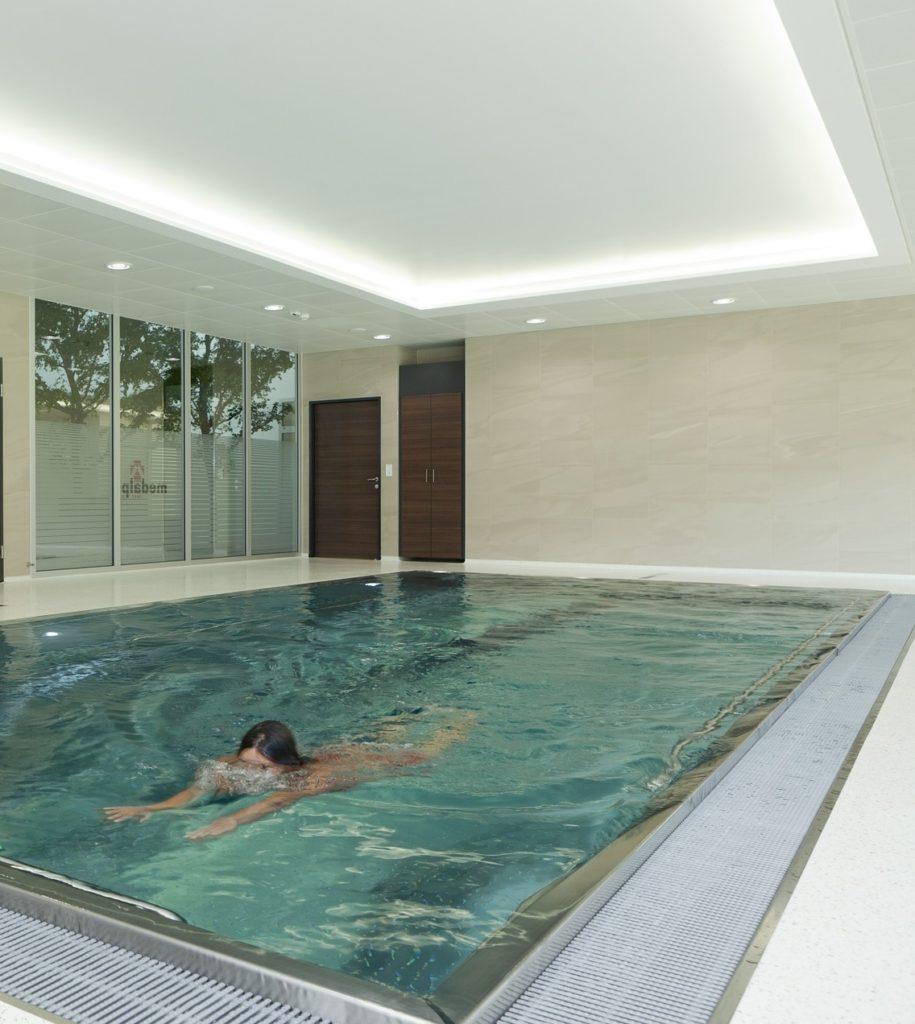 Schwimmingpool aus Edelstahl